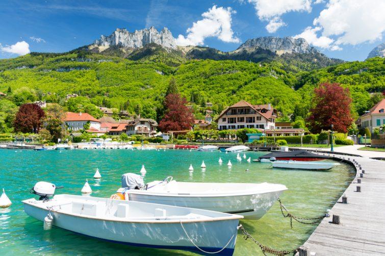port de plaisance de Talloires au lac d'Annecy en France