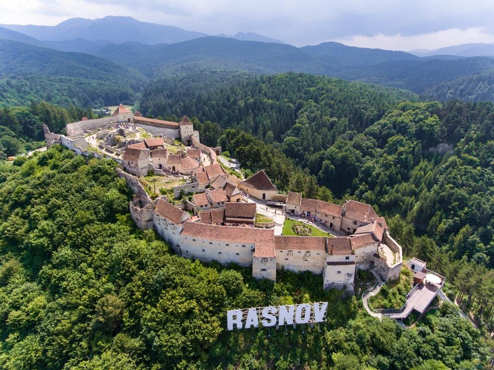 La citadelle de Rasnov, un des plus beaux châteaux de Transylvanie