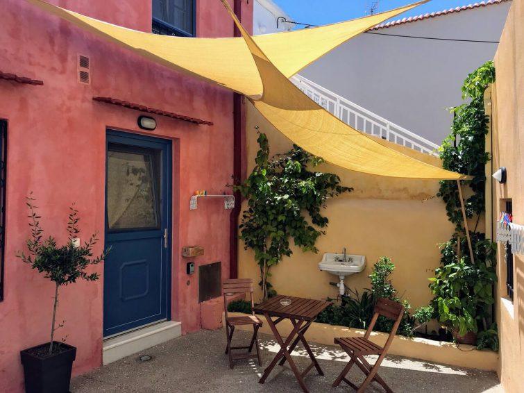Maison grecque traditionnelle près du centre historique
