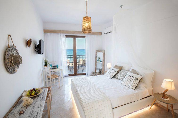 Bel appartement cosy à deux pas de la baie de Stegna