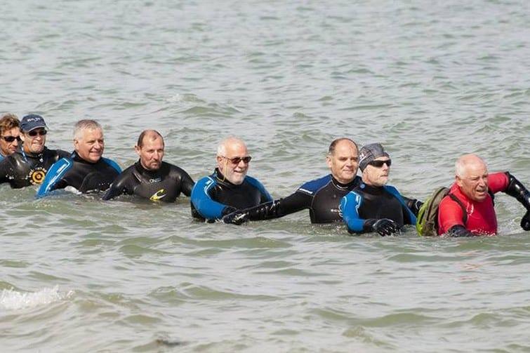 Découvrir le longe-côte, l'une des nouvelles aquatiques de Savoie