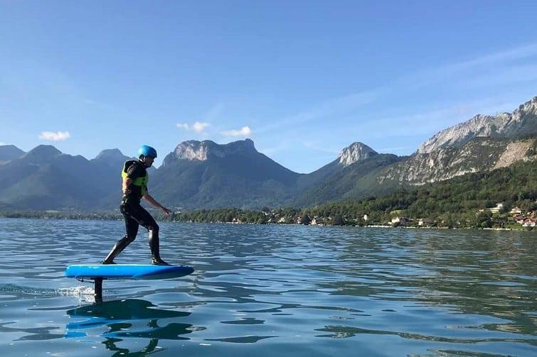 Le Wakeboard, l'une des meilleures activités aquatiques de Savoie