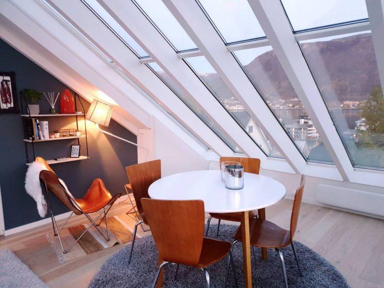 Loft avec une vue panoramique