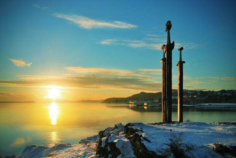 Coucher de soleil à Sverd i fjell (épées dans le rocher), Stavanger