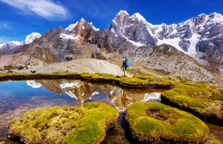 De beaux paysages de montagnes à la Cordillère Huayhuash, Pérou, Amérique du Sud