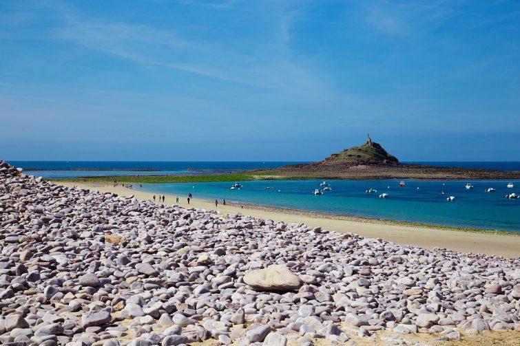 La plage Saint-Michel et les montiers bretagne
