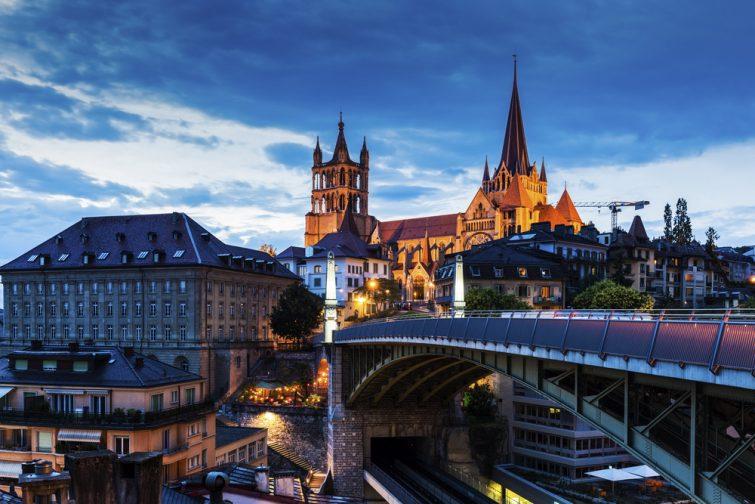 La cathédrale de Lausanne et le panorama sur la ville. Lausanne, Vaud, Suisse.