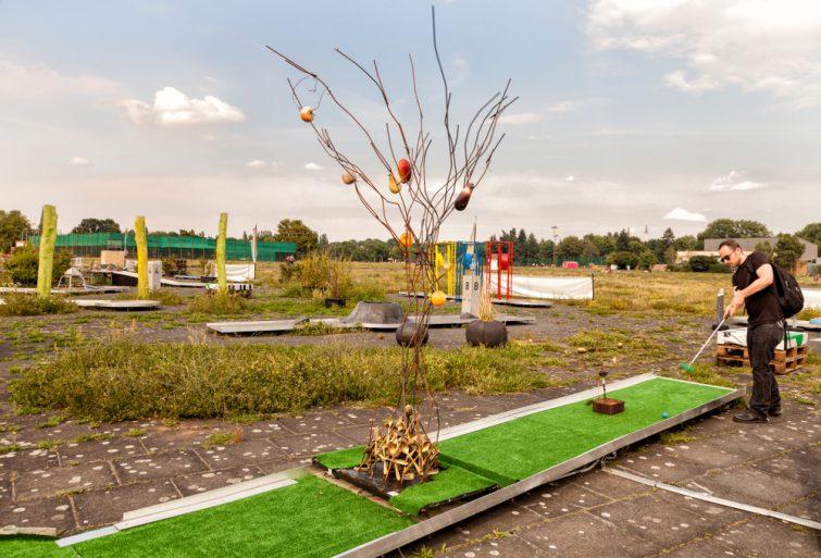 Mini Golf in the Tempelhofer Feld