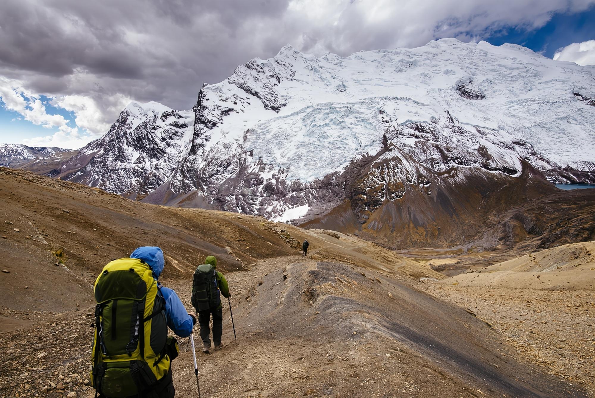 Visite en famille à travers les andes sauvages Ausangate Vilcanota Mountains Peru Amérique du Sud