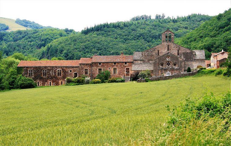 Vue sur l'abbaye de Sylvanès, Aveyron