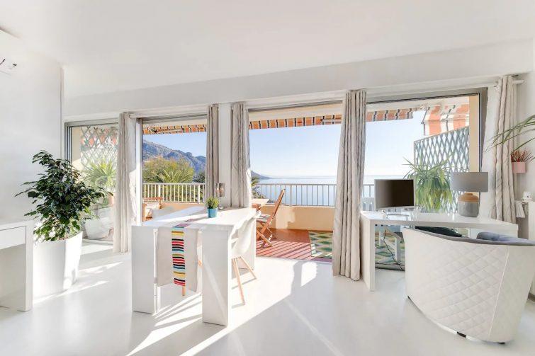 Appartement avec vue sur mer, Menton