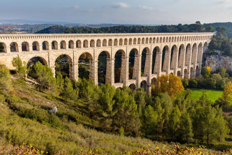 Vue sur l'Aqueduc de Roquefavour, visiter le Pays d'Aix