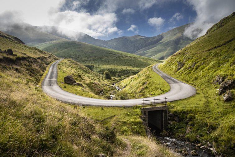 Route dans les montagnes d'Iraty