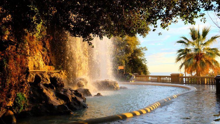 La cascade de la colline du Château, Nice.