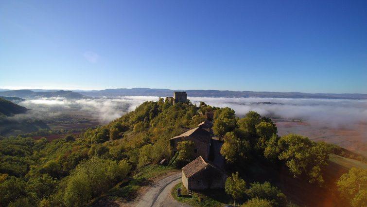 Vue aérienne sur le château de Montaigut