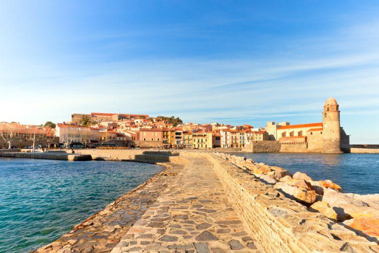 Vue depuis le sentier Littoral sur le château Royal de Collioure