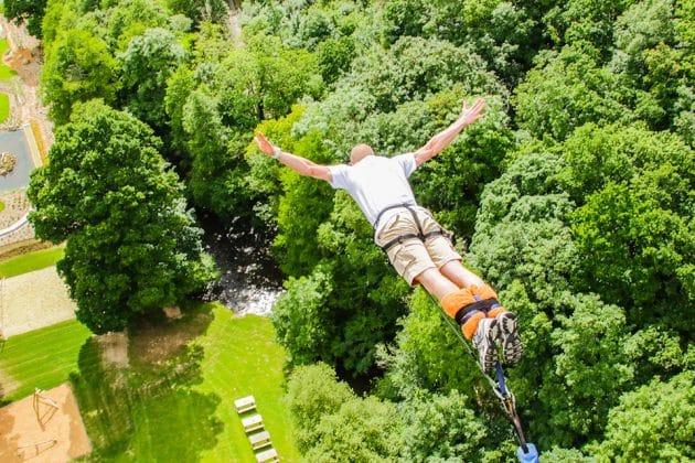 Les 4 meilleurs ponts où faire un saut à l'élastique près de Paris