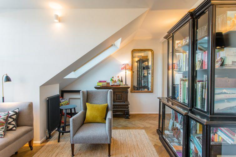 Bel appartement dans un immeuble historique de la Vieille-Ville