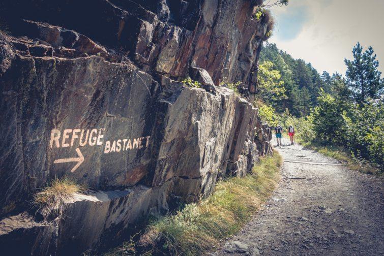 Sentier d'escalade dans la réserve naturelle du Néouvielle