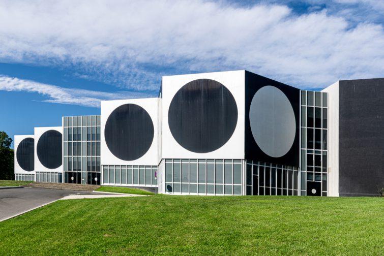 Visiter le Pays d'Aix et la Fondation Vasarely