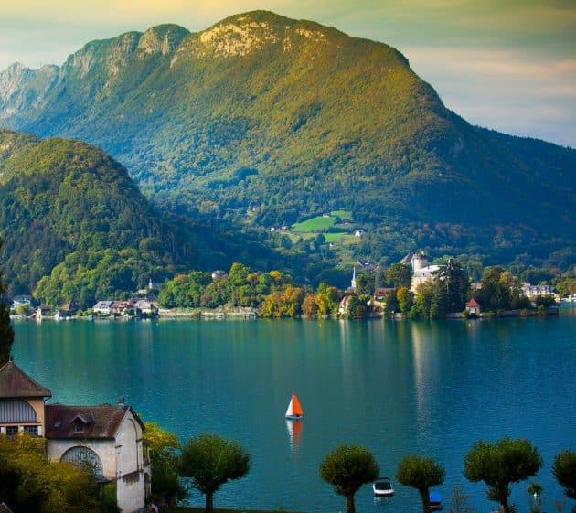 Location de jet ski à Annecy : comment faire et où ?