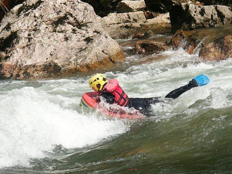 Activités outdoor à faire au Pays Basque : Hydrospeed à Itxassou