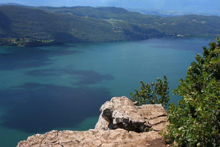 Le lac du Bourget, un des 8 plus beaux lacs où se baigner en France