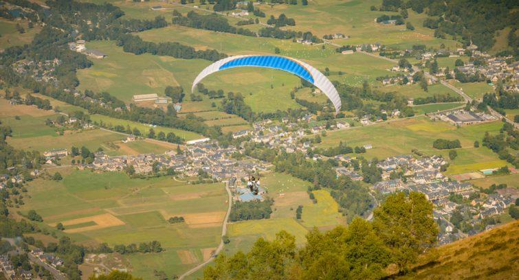 Vol de parapente au dessus de Saint-Lary-Soulan