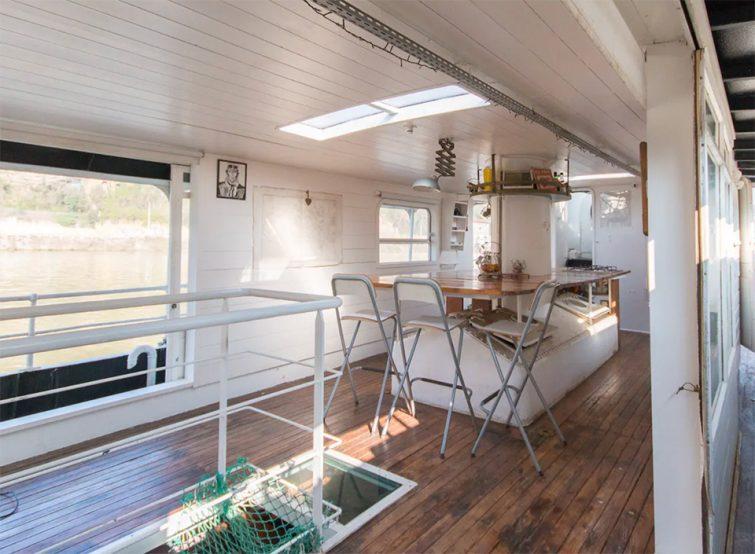 Airbnb péniche à Lyon : Bateau breton atypique dans le centre-ville lyonnais
