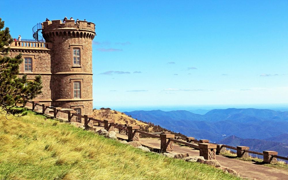 L'observatoire du Mont Aigoual, à visiter dans le Parc National des Cévennes