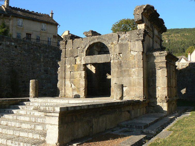 Le mausolée de Lanuéjols