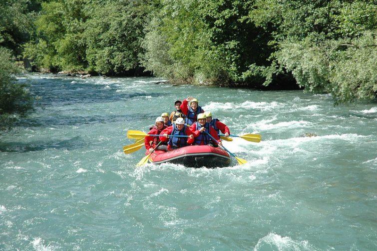 Visiter la réserve naturel de Néouvielle : Bateau pneumatique et rafting