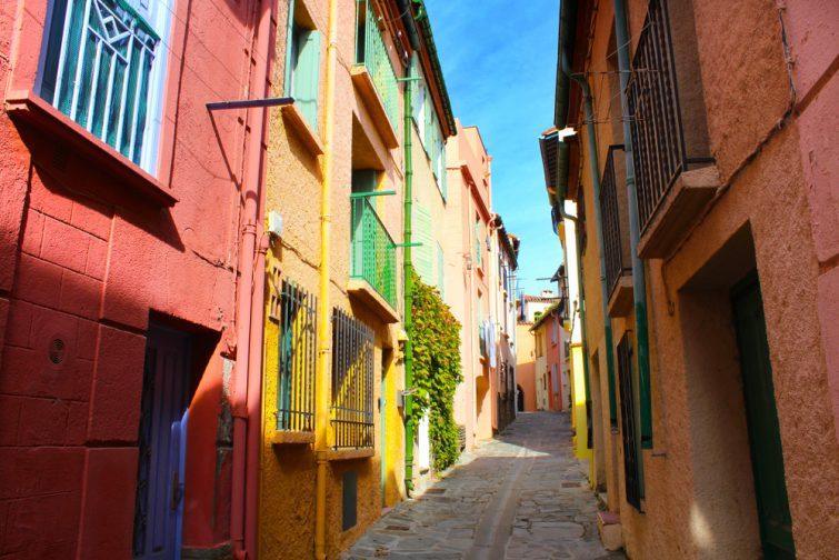 Petite ruelle aux tons colorés, Collioure