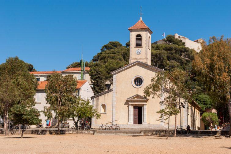 Visiter Porquerolles : L'église Sainte-Anne