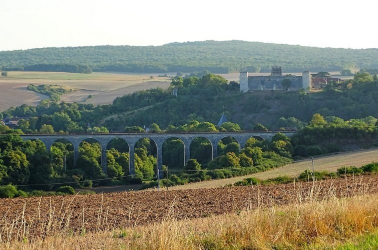 Saut à l'élastique à Paris et ses alentours : Le viaduc de Druyes