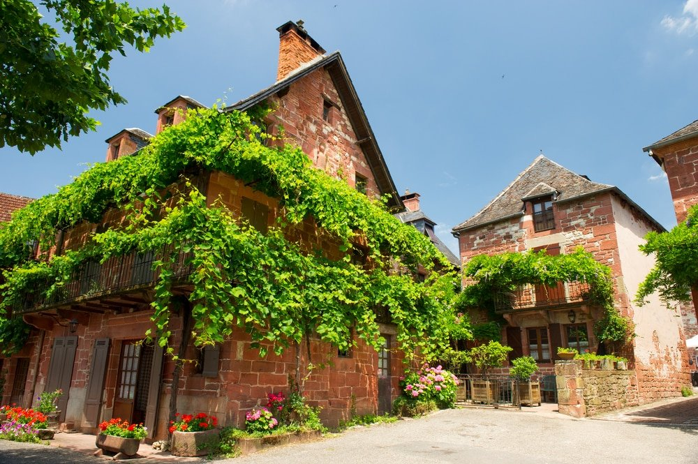 Collonges-la-Rouge, l'un des plus beaux villages médiévaux en France