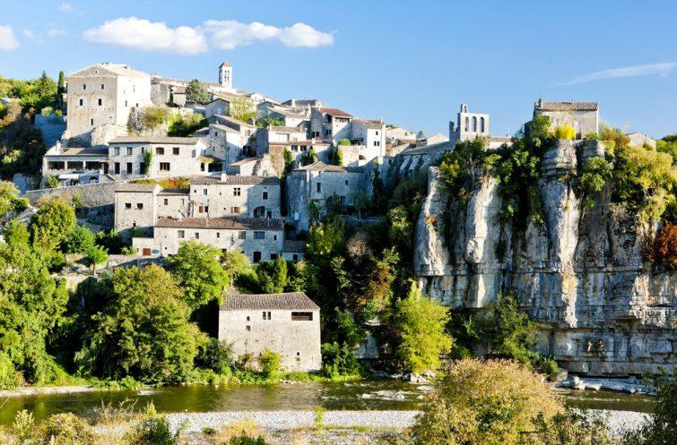 Villages en Ardèche : Balazuc Visiter l'Ardèche