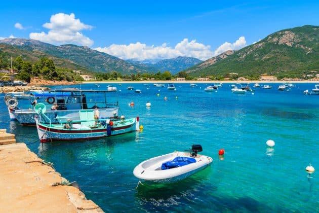 Location de bateau à Cargèse : comment faire et où ?