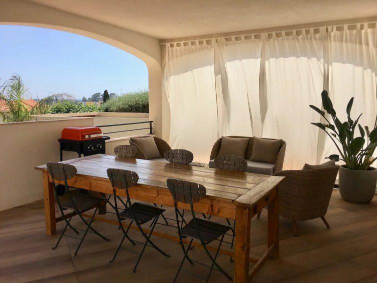 Beau T2 avec terrasse avec salon