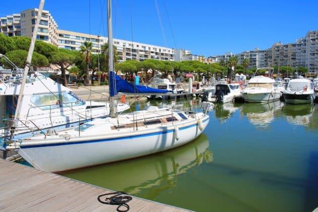 Location de bateau à Carnon : comment faire et où ?