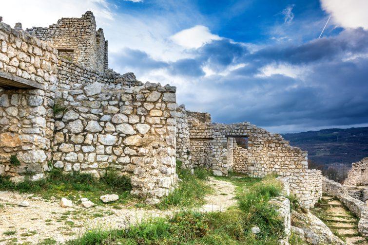 Randonnée en Ardèche : Château de Crussol