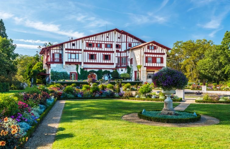Visiter le Pays basque français : La villa Arnaga