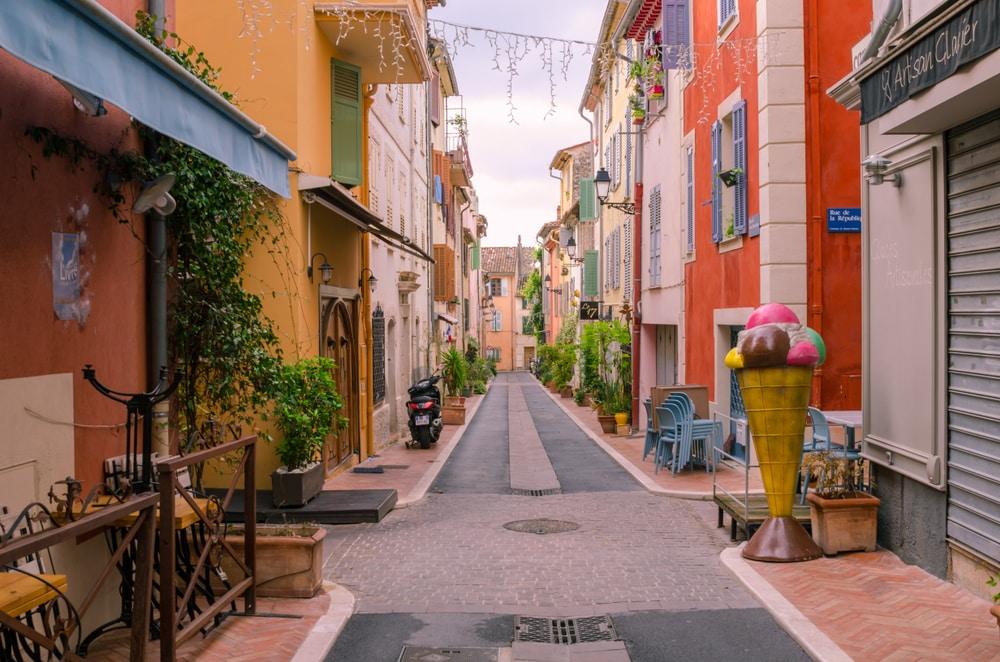 Plus beaux villages autour de Nice : Plus beaux villages autour de Nice : Mouans-Sartoux