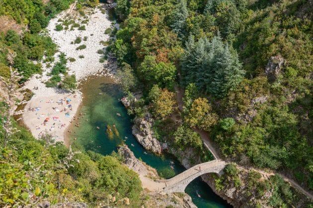 Pont du Diable : le spot où faire de la via ferrata en Ardèche