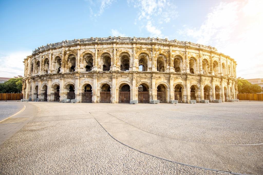 Voyager sans quitter la France : Rome à Nîmes