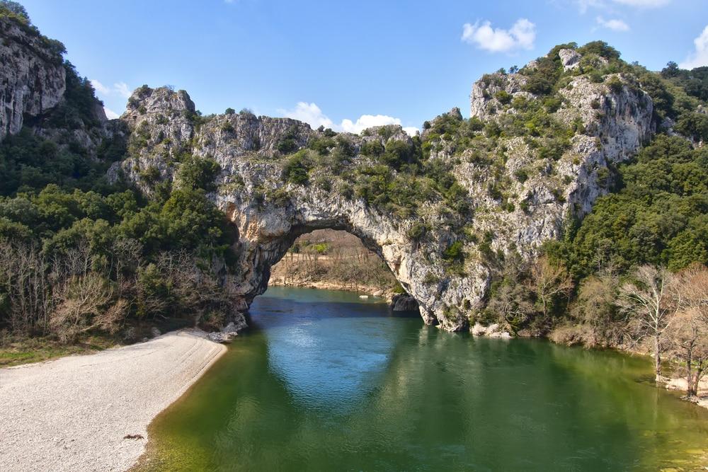 Villages en Ardèche : Vallon Pont d'Arc