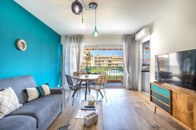 Appartement dans une résidence avec piscine à Mandelieu-la-Napoule