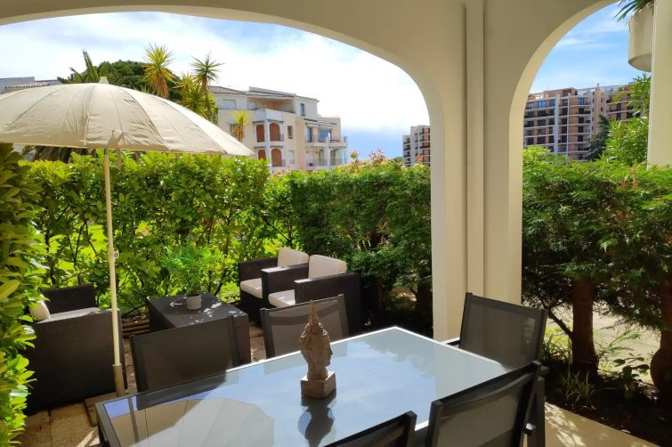 Airbnb avec piscine à la marina, Mandelieu