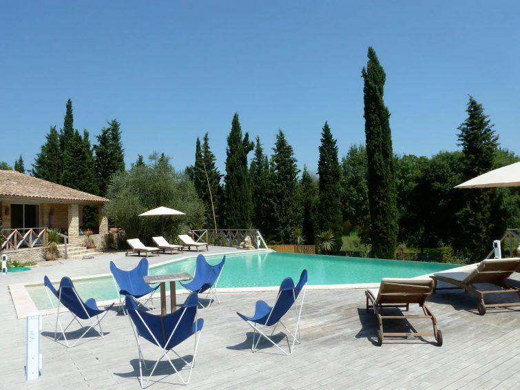 Chateauneuf- Grasse : studio luxueux