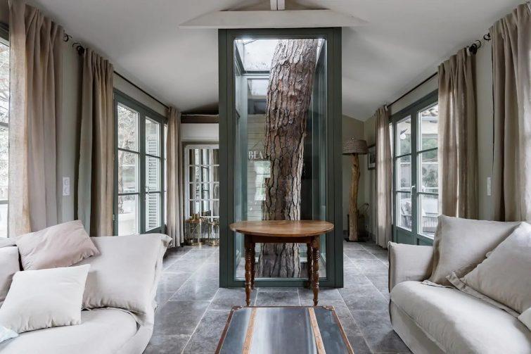 Pampelonne : la maison dans les pins